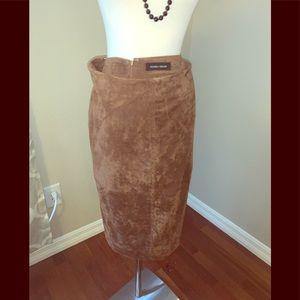 🔥🔥🔥Ivanka trump suede pencil skirt size 10